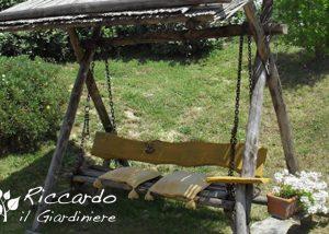 Dondolo in legno, Riccardo il Giardiniere