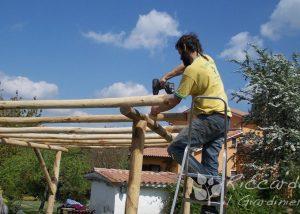 Tettoia in legno con cannuccia