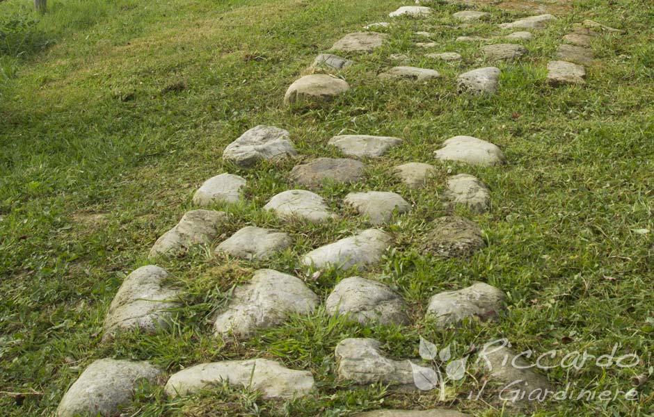 caminnamento con pietre di fiume